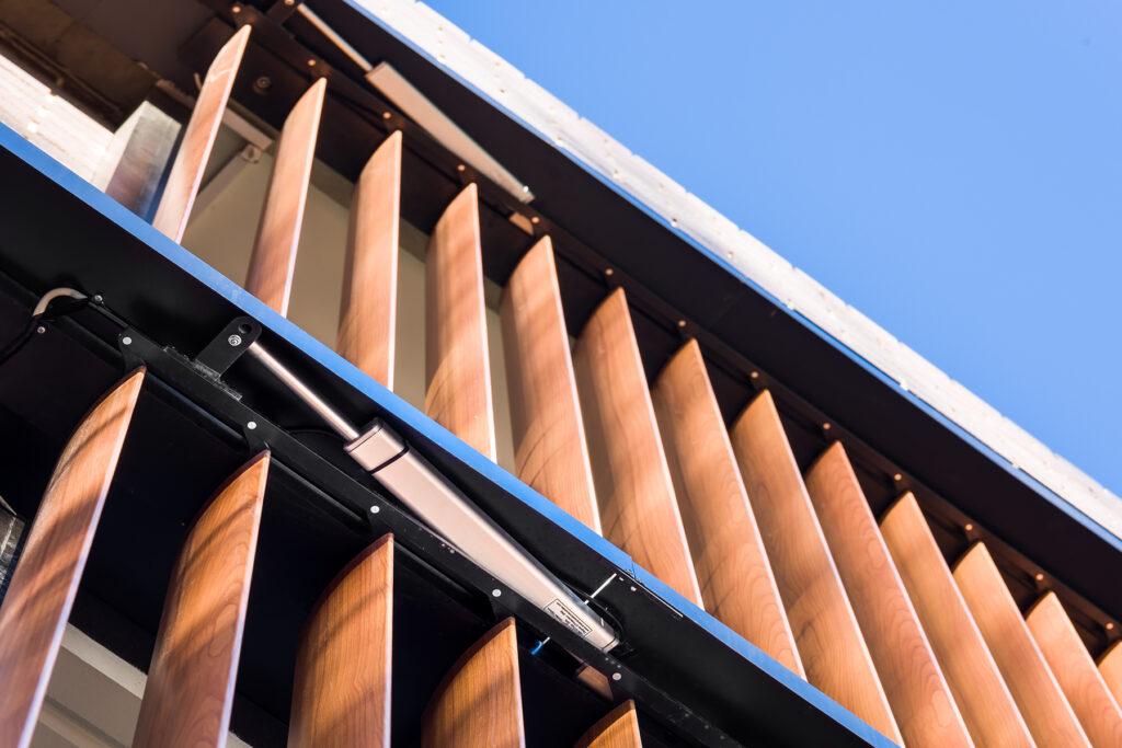 Operable Louvre Systems Louvreclad Pty Ltd