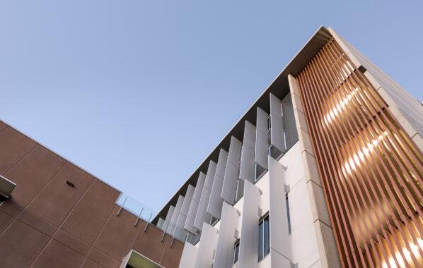 Sheraton Series® Gold Coast Hospital Aluminium louvre blades